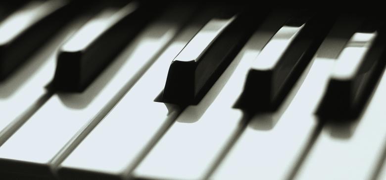 Piano (1)
